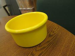 "Crock style bird or pet water/food plastic dish 28"" oz.bowl"